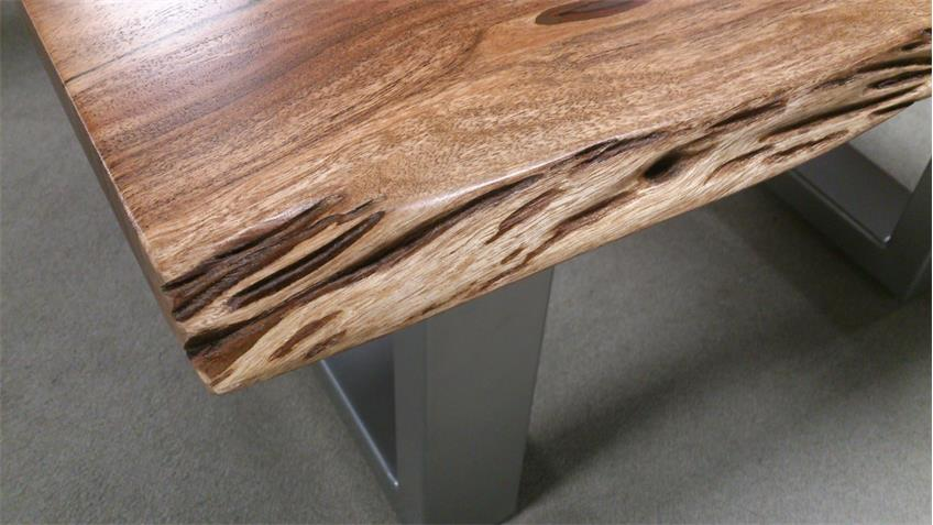 Couchtisch AGRA Massivholz 80x80 cm Akazie Baumkante