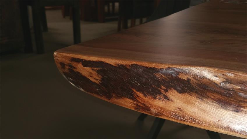 Esstisch Gigi Holz Akazie massiv Metall schwarz 200x100 cm