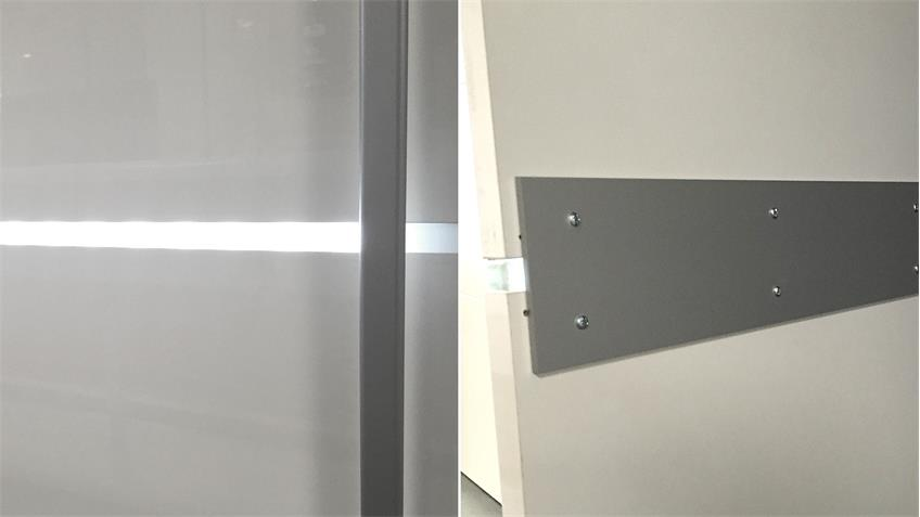 Drehtürenschrank TIRA hochglanz weiß integrierte Beleuchtung