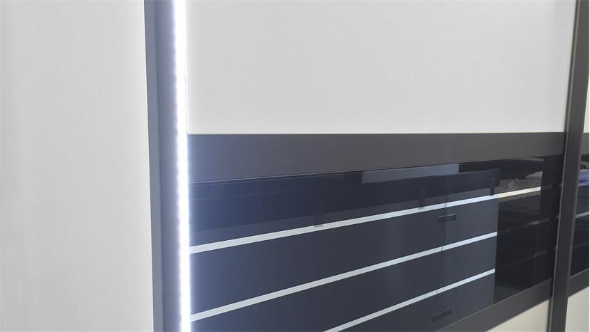 Schwebetürenschrank COLEEN weiß Basaltglas mit LED 270 cm