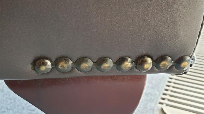 Hocker Chesterfield Fußhocker in Dunkelbraun mit Ziernägeln
