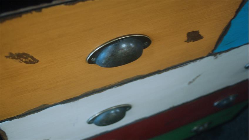 Kommode Anrichte mit bunten Schubkästen Metallgriffe Vintage