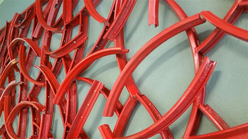 Wand-Dekoration recycelt Fahrradfelgen rot 250x100 cm