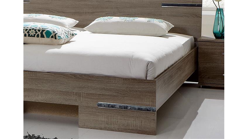 Schlafzimmer Kombi 2 in Eiche montana mit Chromabsetzungen