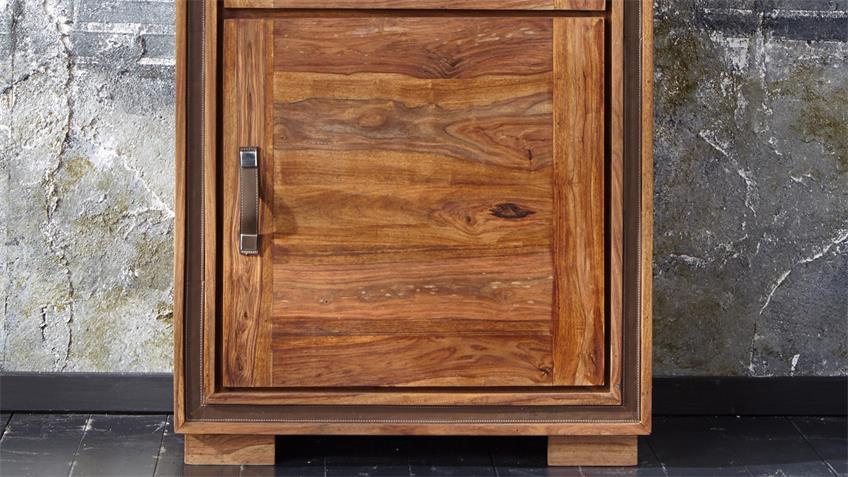 Glasvitrine SHAN 6305 aus Massivholz von Wolf Möbel
